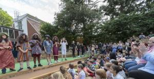 Highgate Primary School stage opening 1[24]